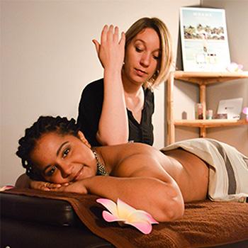 Lomi Lomi, un massage de Nomade Spa et Beauté à Brest